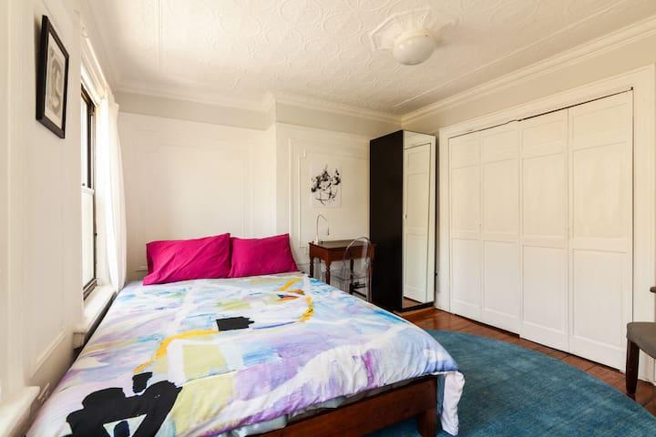 1st bedroom -- queen size bed with brand new memory foam mattress