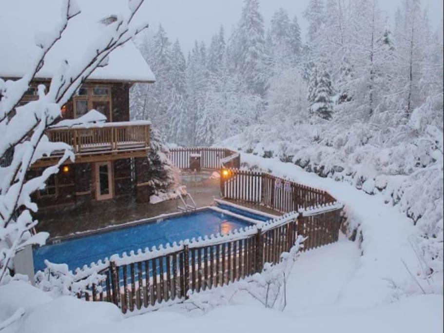 Timberline Lodges Swimming Pool 2