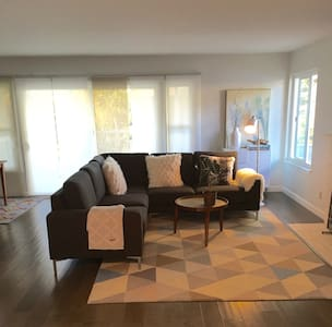 Modern Benicia home near Napa & SF w/ hot tub - Benicia - Ház