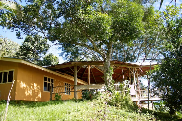 Casa Vista (Amazing house on a Permaculture Farm)