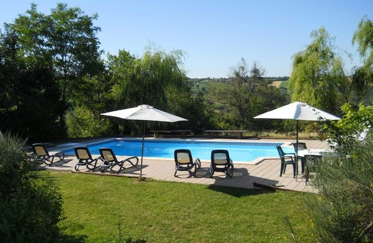 Large country house with private pool and grounds