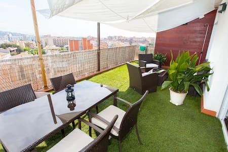 • Appartement Penthouse met prachtig uitzicht op zee en de bergen, gelegen in het rusti - Pineda de mar - Apartemen