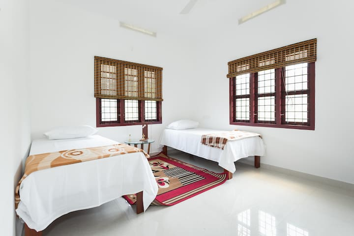 Sound Of Silence at Green View - Kunnukara - Bed & Breakfast