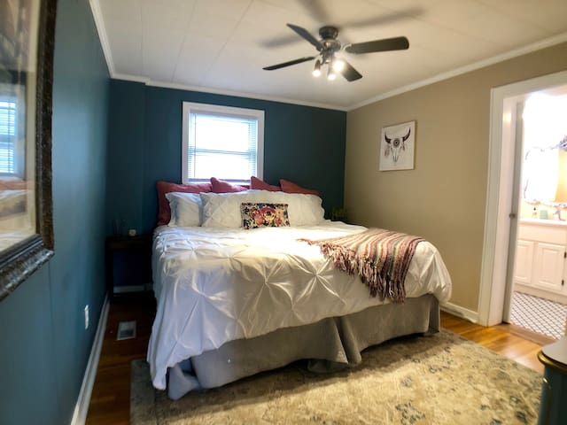 Contractor Housing @ Amazing Stays in Terre Haute