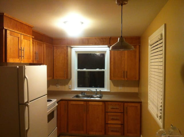 Fully Equipped 3.5 bedroom home - Charlottetown - Hus