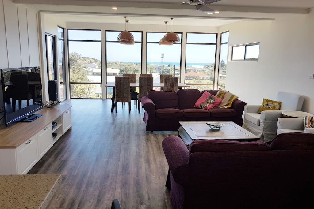 Recently renovated open plan living area off the main kitchen. Expansive views of the coastline all the way past Pt Elliot to Victor Harbour.  Plenty of room for three families holidaying together.