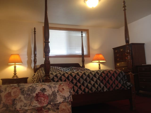 Beautiful Spacious Studio B - Sedro-Woolley - Dom