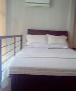Affordable High End Condo Cebu City,Ayala - Cebú