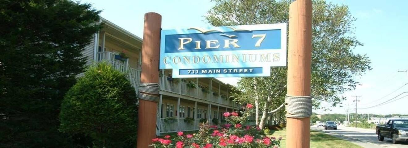 Pier 7 Condominiums