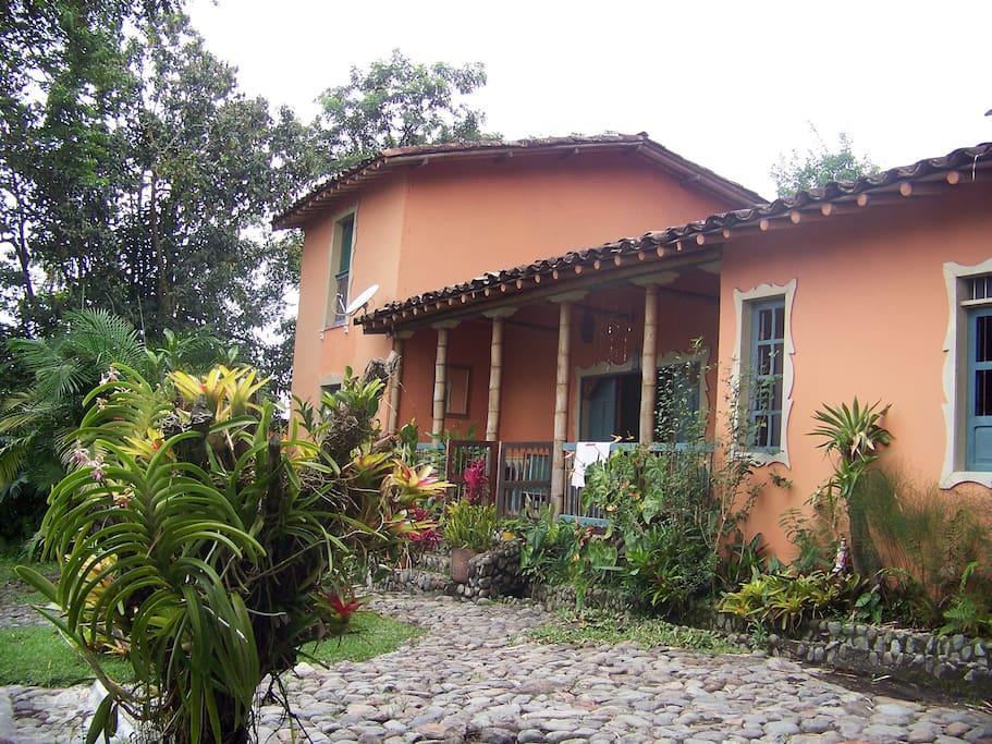 Casa principal a 30 metros de la Cabaña