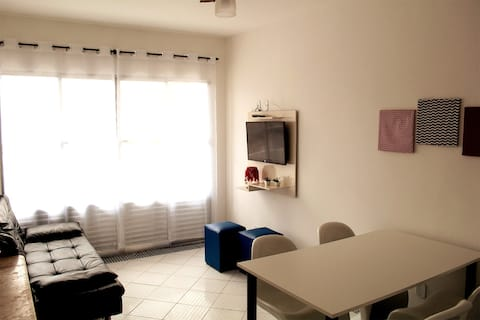 Apartment 202 - steps from the beach in Vila Mirim