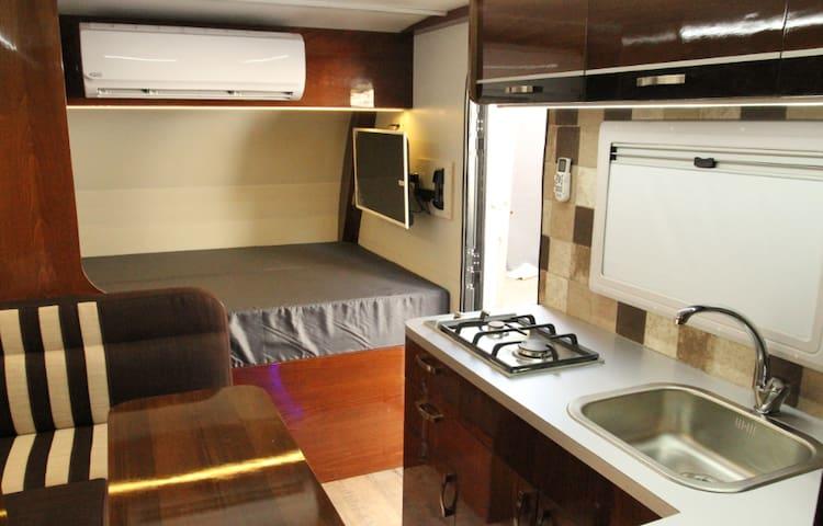 Royal Caravan Eilat - Royal model for 7 people