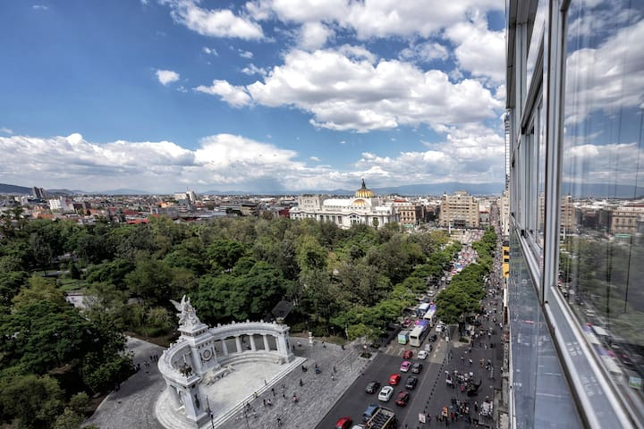 ⚡Spectacular Apt w/Amazing Views- Best Tour Guide