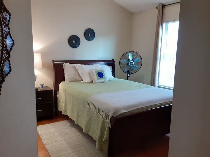 Private Cozy Bedroom