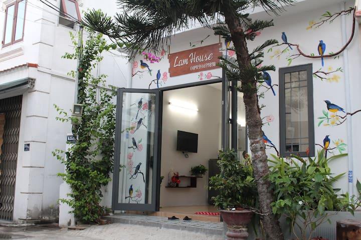 Lam House - a cozy house near by My Khe beach