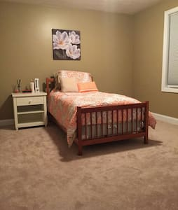 Single Bedroom with Twin Bed - Haverhill - Talo