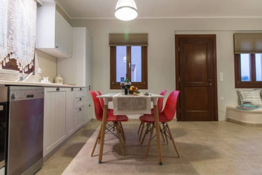 kitchen,livingroom