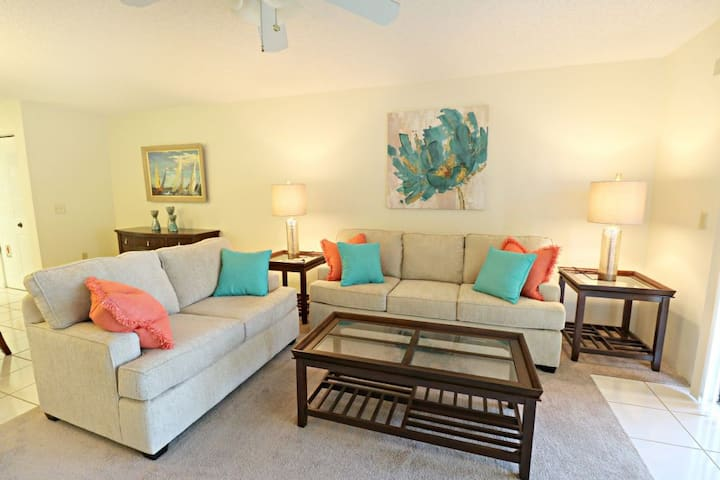 Pool View Townhome Close to Ocean with Private Garage Ponce Landing 23