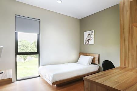 M Pavilion Karawaci Near Tangerang Single Bed - Curug - Rumah Tamu