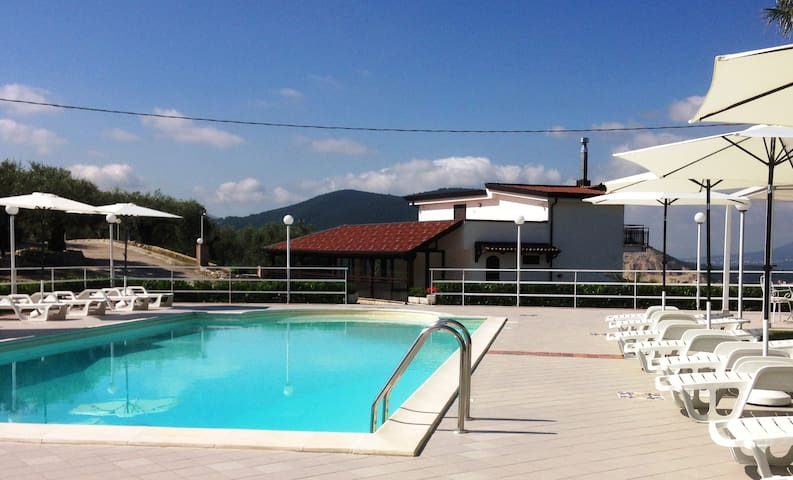 Casa Vacanze Uliveto - Apartment -