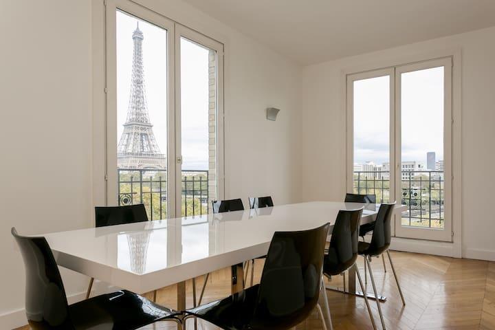 Eiffel Tower outstanding view - spacious apartment - Paris - Flat
