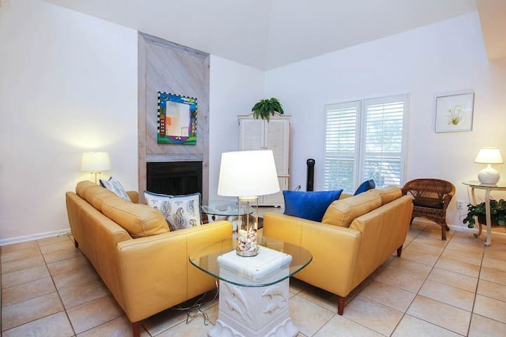 *NO GUEST SERVICE FEE* Sunset Captiva House # 37