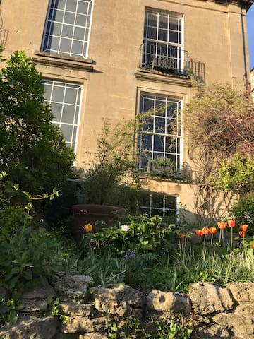 Charming Georgian apartment 5 mins from station - Bath - Apartment
