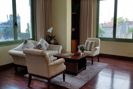 2 BR, Harbour View, in prime central location