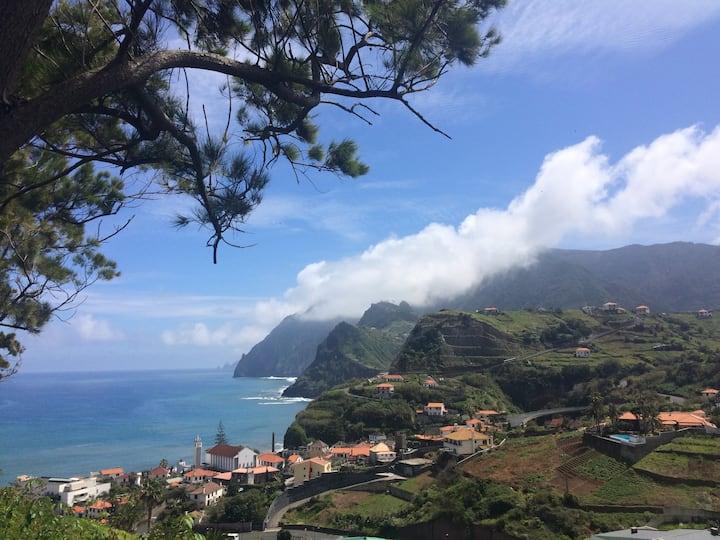 Pereira's House - Mountains & Sea