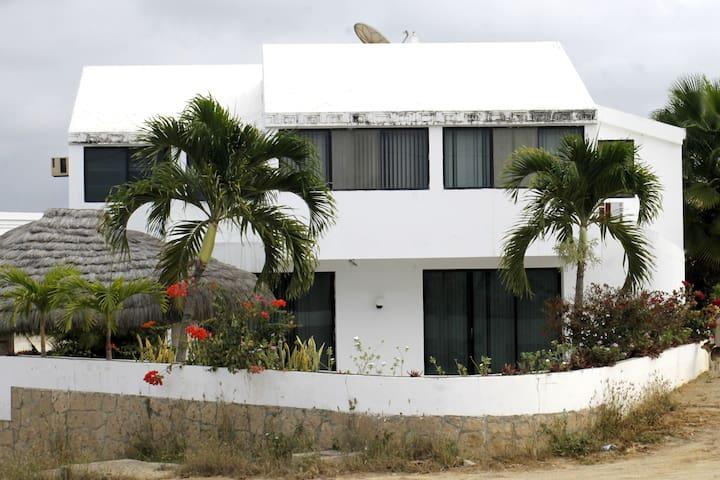 Casa en la playa. Punta Blanca.