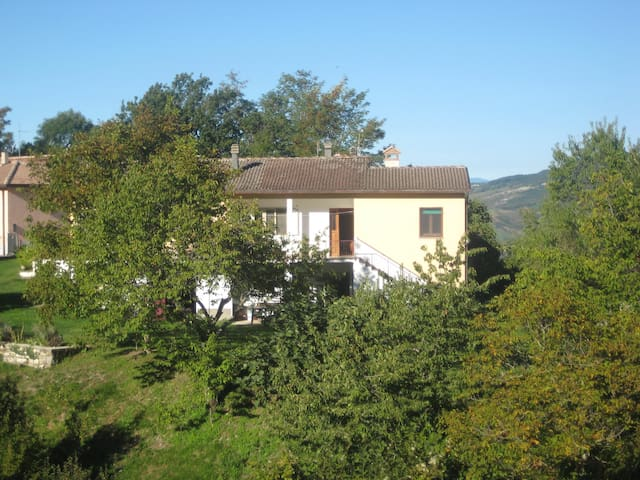 CASA IN CAMPAGNA - Pennabilli - Appartement