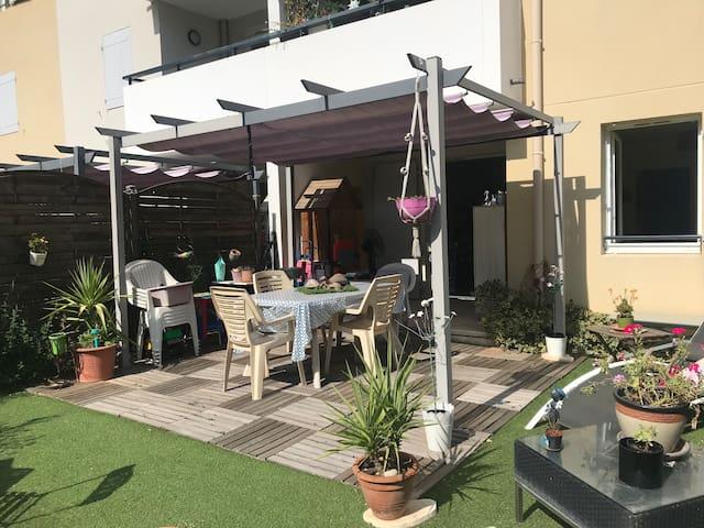 Appartement entier RDC + jardin (la Valentine)