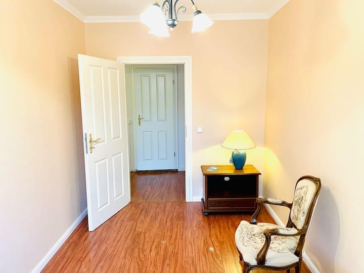 Lovely room as central as can be: GENDARMENMARKT