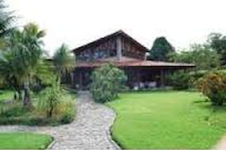 lazer completo em condomínio fechado em aldeia - Camaragibe - House