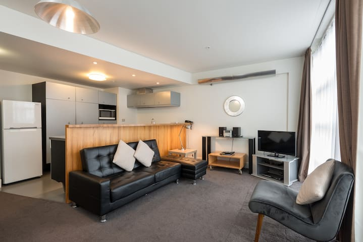 1 Bedroom Apartment Wellington Central