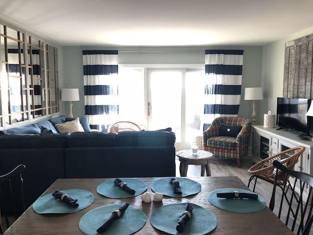 Beautiful Updated 2 Bedroom Condo