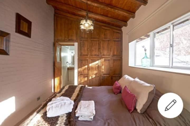 CLOSE TO EVERYTHING !!  Hermosa casa