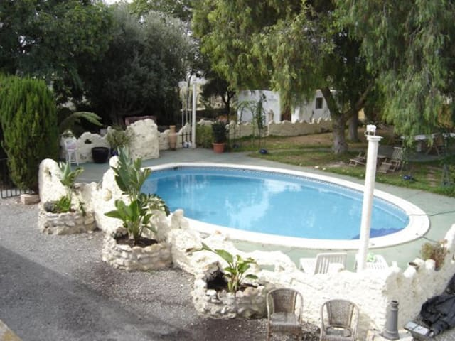 villa with pool and garden perfect for families - Crevillent - Villa