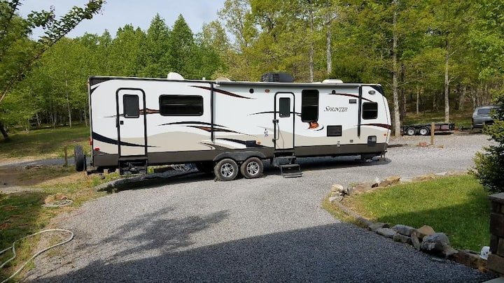 Nice Camper 10 mins from Chattanooga in Nice Area