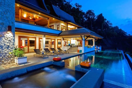 THTLSPH410 - Beachfront Villa in Phuket