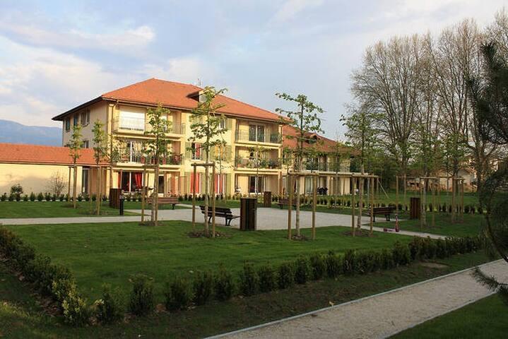 Appartement de standing à 2 pas de la Suisse