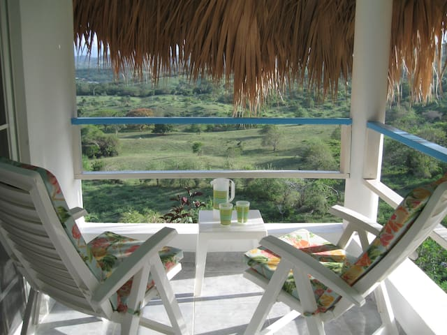 Sugar Shack pool- beach- balcony- a/c- private