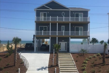 *NEW 'Shell Yeah' 4 BR Ocean/ Beach Front - Private Pool - Elevator - Handicap Friendly - Emerald Isle