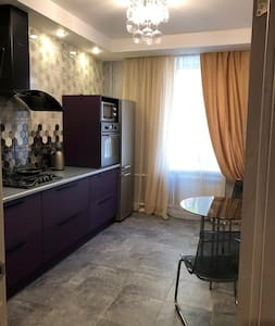 Современная квартира у метро Удельная