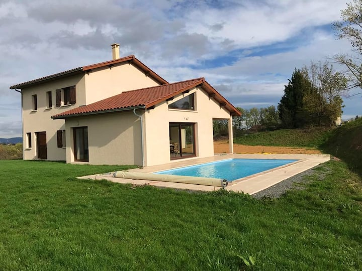 Villa with 5 bedrooms in Grézieu-la-Varenne, with private pool, furnished garden and WiFi