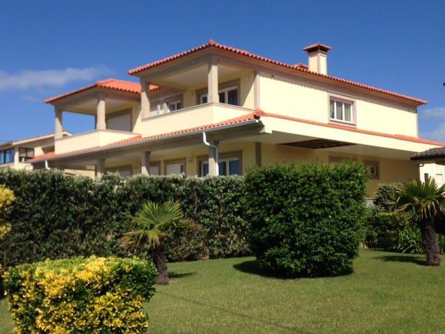 Maison privée au   bord de la mer. - cepaes marinhas - House