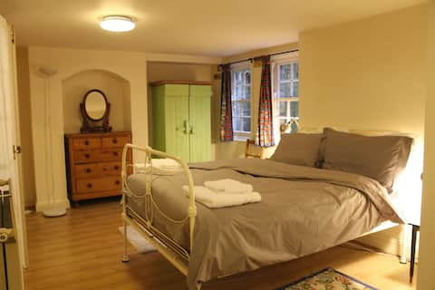 Spacious 1 bed apartment in desirable Summertown