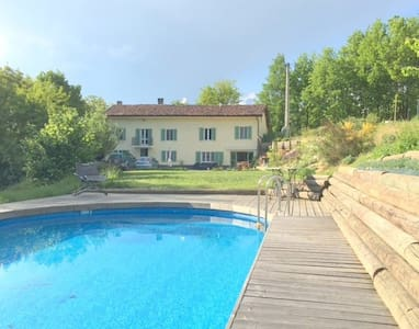 Charming farmhouse hideaway with pool near Asti - Belveglio