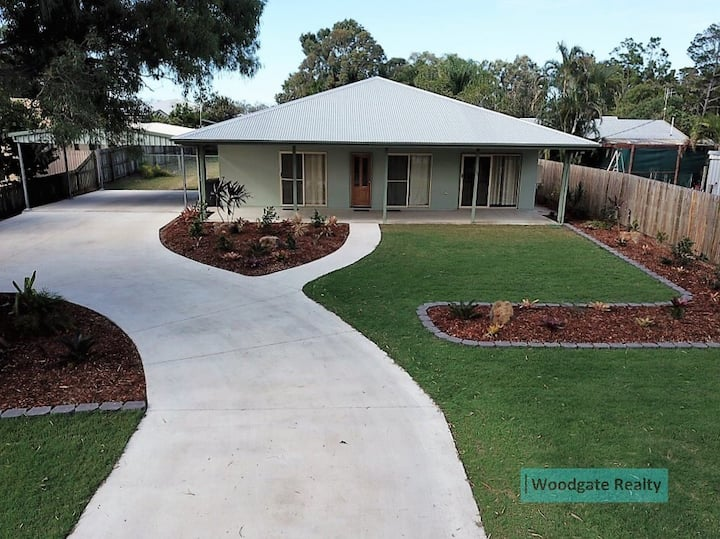 400 Metres To Woodgate Beach - Save up to 50%