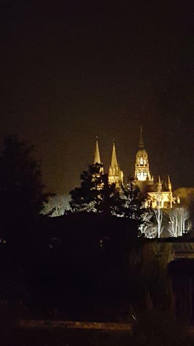 La cathédrale de nuit vue de la gare en hiver Bayeux Cathedral by night view from railstation in winter